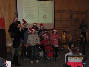 "Die 1aS_Klasse singt ""We wish you a Merry Xmas"""